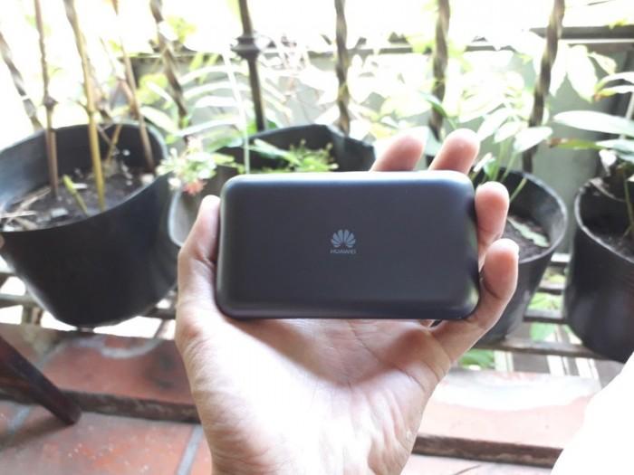 Bộ phát Wifi 4G Huawei E5787Ph tốc độ 300Mbps. Hàng cao cấp Telstra Úc - Pin 3000mAh3