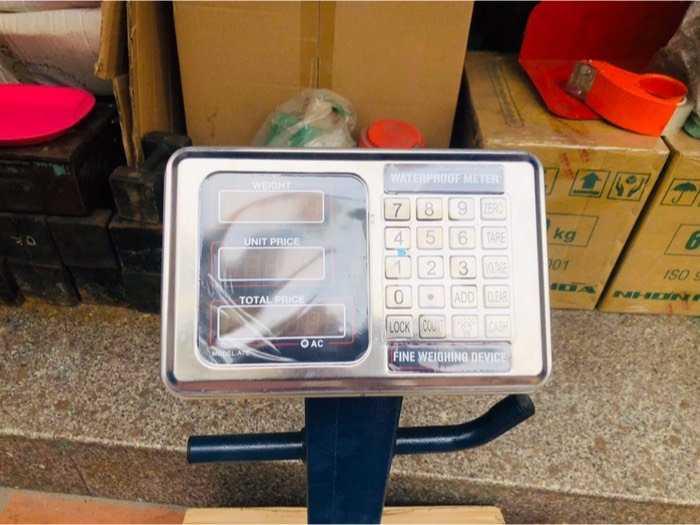 Thanh lý cân điện tử chống nước 150kg2