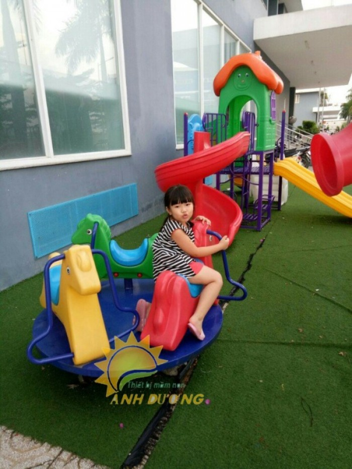 Chuyên cung cấp trò chơi đu quay dành cho trẻ em mầm non11