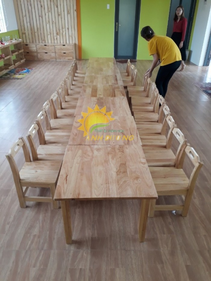 Cần bán bàn ghế gỗ trẻ em cho trường lớp mầm non, gia đình giá hấp dẫn8
