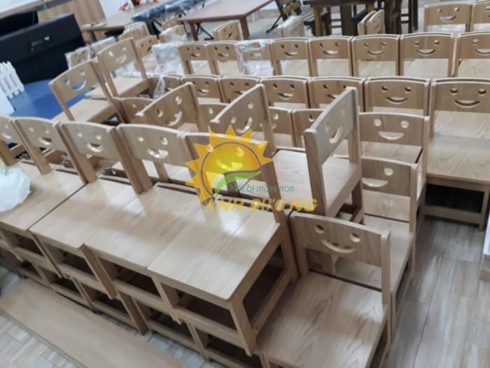 Cần bán bàn ghế gỗ trẻ em cho trường lớp mầm non, gia đình giá hấp dẫn7