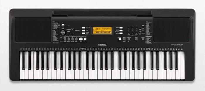 Model PSR-E363 là một trong những model mới ra của thương hiệu Yamaha. Đây là bản nâng cấp từ đàn organ Yamaha PSR-E353 nên nó hội tụ đầy đủ những tính năng hiện đại và tiên tiến của model đàn Yamaha E353. Hơn nữa, đàn organ Yamaha PSR-E363 có những cải tiến vượt bậc so với E353.