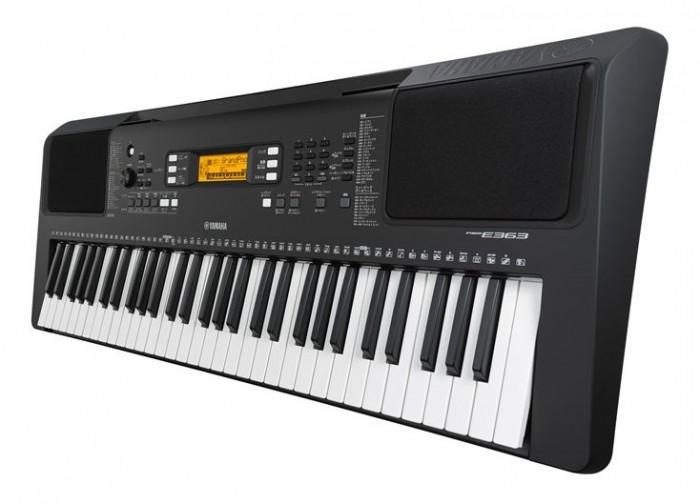 Với nhiều tính năng đa dạng và hệ bàn phím phản hồi cực nhạy, đàn organ Yamaha PSR-E363 dễ dàng trở thành sự lựa chọn đầu tiên dành cho người mới bắt đầu chơi.