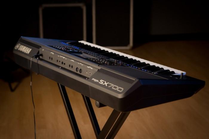 Mặt sau Đàn Organ YAMAHA PSR - SX700 New Full Box - Khát Vọng Music2
