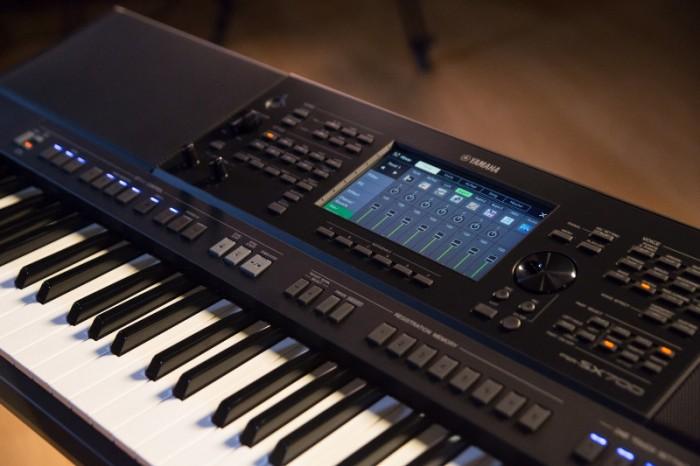 Màn hình và bảng điều khiển của Đàn Organ YAMAHA PSR - SX700 New Full Box - Khát Vọng Music3