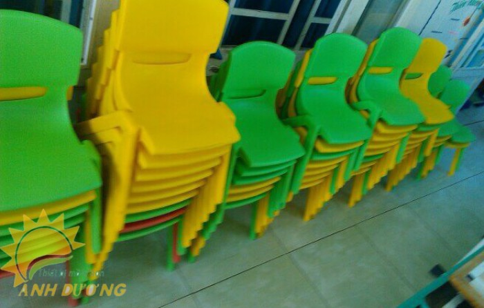 Chuyên cung cấp ghế nhựa đúc chắc chắn dành cho trẻ em mầm non2