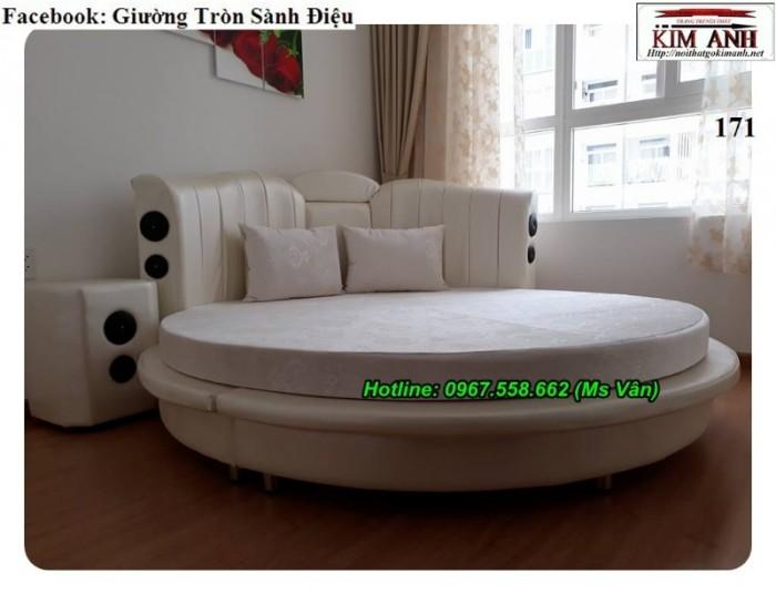 phòng ngủ giường tròn màu trắng Tân Bình Tân Phú2