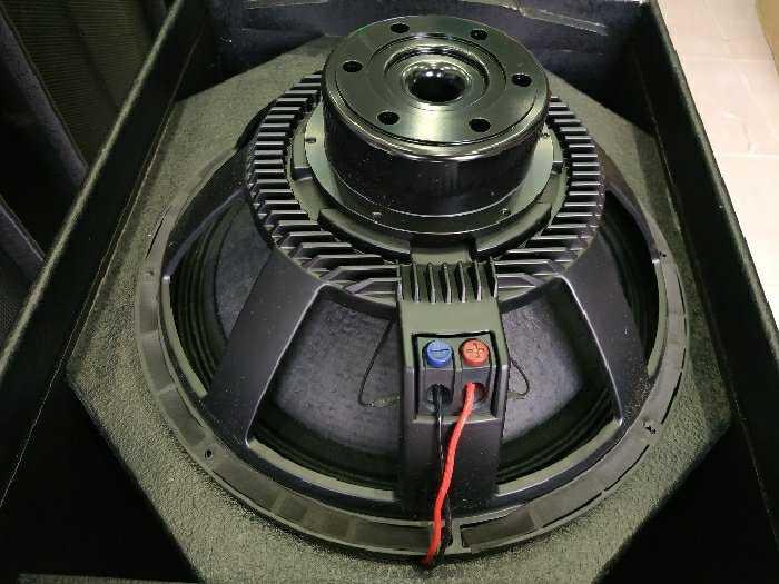 Sub RCF bass 50 neodymium bãi xịn italy3