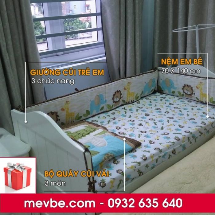 Cũi trẻ em Darling màu trắng gồm 3 chức năng sử dụng như dùng làm cũi em bé từ 0 đến 24 tháng, giường đơn trẻ em từ 18 tháng trở lên và ghế salon khi trẻ lớn 5 - 7 tuổi (tùy theo sự phát triển và thể trạng của từng bé)8