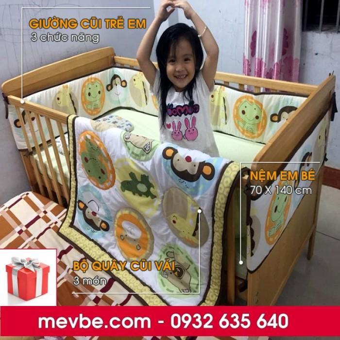Cũi cho bé Marlow màu tự nhiên gồm 3 chức năng sử dụng như dùng làm cũi trẻ em từ 0 đến 24 tháng, giường cũi cho trẻ nhỏ từ 18 tháng trở lên và ghế salon khi trẻ lớn hơn (tùy theo sự phát triển và thể trạng của từng bé)1