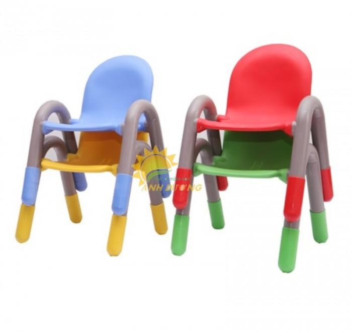 Ghế nhựa mầm non có tay vịn bền chắc cho trẻ em mầm non1