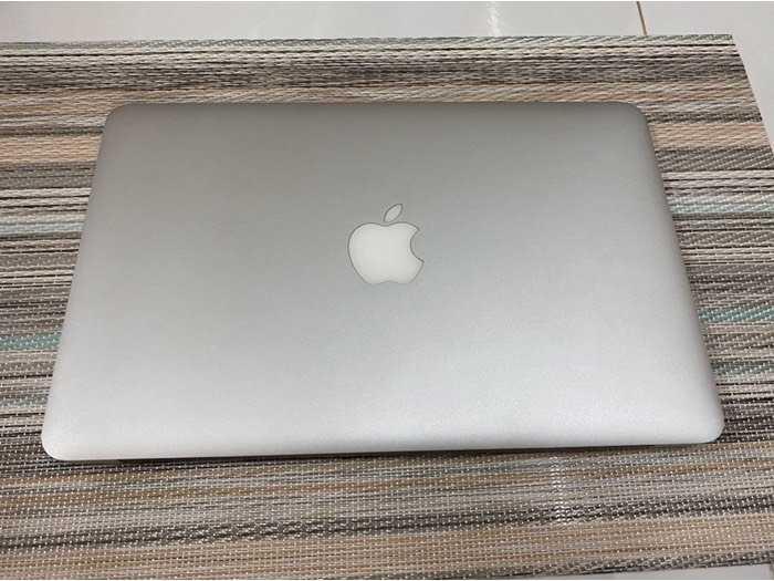 Macbook Air 11 2014 i5 4gb 128gb như mới nguyên zin1