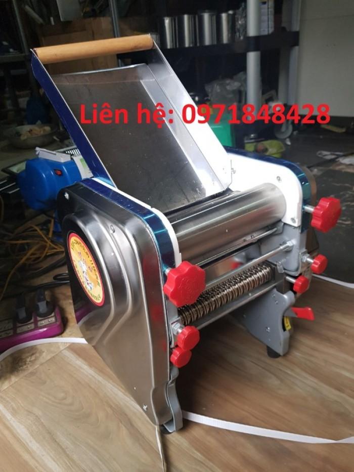 Máy cán bột làm vỏ bánh gối, máy cán bột bánh canh, máy cán và cắt bánh canh2