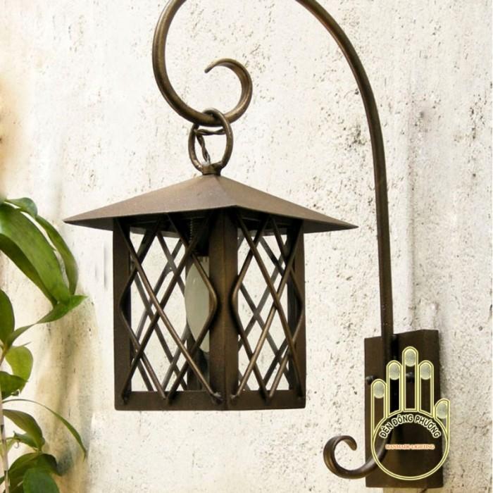 Mẫu đèn trang trí sân vườn Châu Âu đẹp1