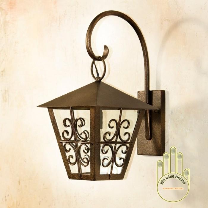 Mẫu đèn trang trí sân vườn Châu Âu đẹp2