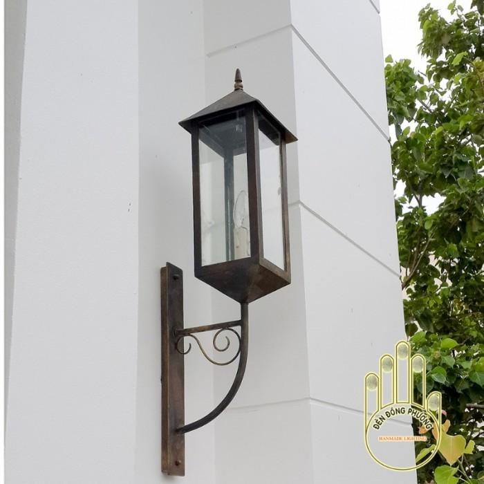 Mẫu đèn trang trí sân vườn Châu Âu đẹp4