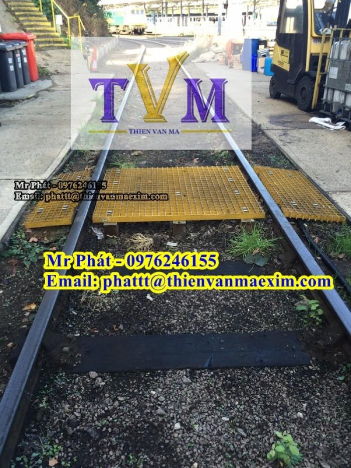 Công ty bán tấm sàn lót lối đi lại, sàn kháng hóa chất, chống tia UV13