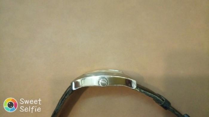 Đồng hồ quartz Nam độc lạ .1