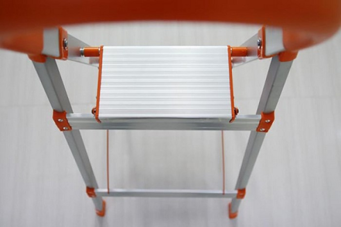 Thang ghế thắp hương, Thang ghế Inox 3 bậc Ameca AMG-3IN - Số bậc: 03 - Kích thước mở: 115*49*57cm - Kích thước đóng:127*49*6cm - Khoảng cách bậc: 23,5 cm - Chiều cao sử dụng: 72 cm - Trọng lượng: 4,2 kg - Độ dày inox :1.2mm - Chất liệu: Inox 201 - Tải trọng 150kg, tiêu chuẩn EN131 - Nhãn hiệu: AMECA, USA - Nước sản xuất: Trung Quốc3
