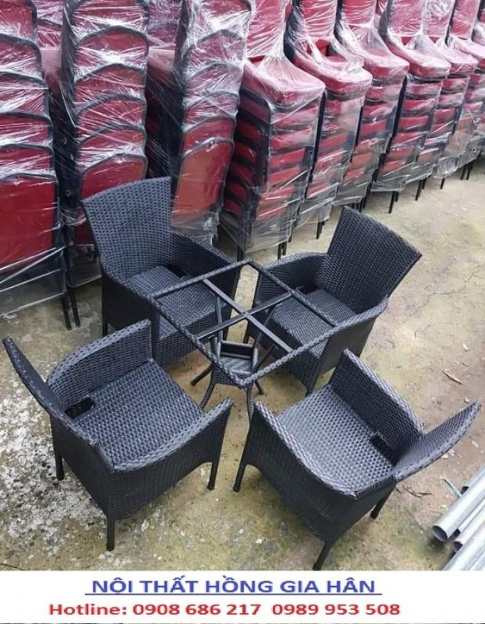 Thanh lý 100 bộ bàn ghế cafe như hình nhgh21