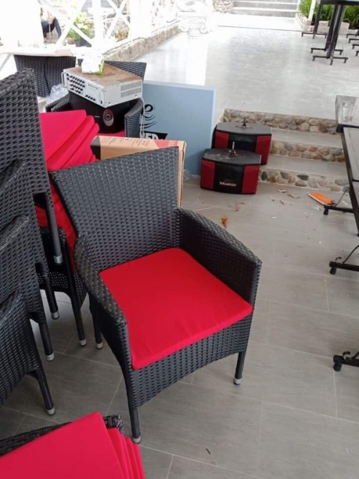 Thanh lý 100 bộ bàn ghế cafe như hình nhgh22