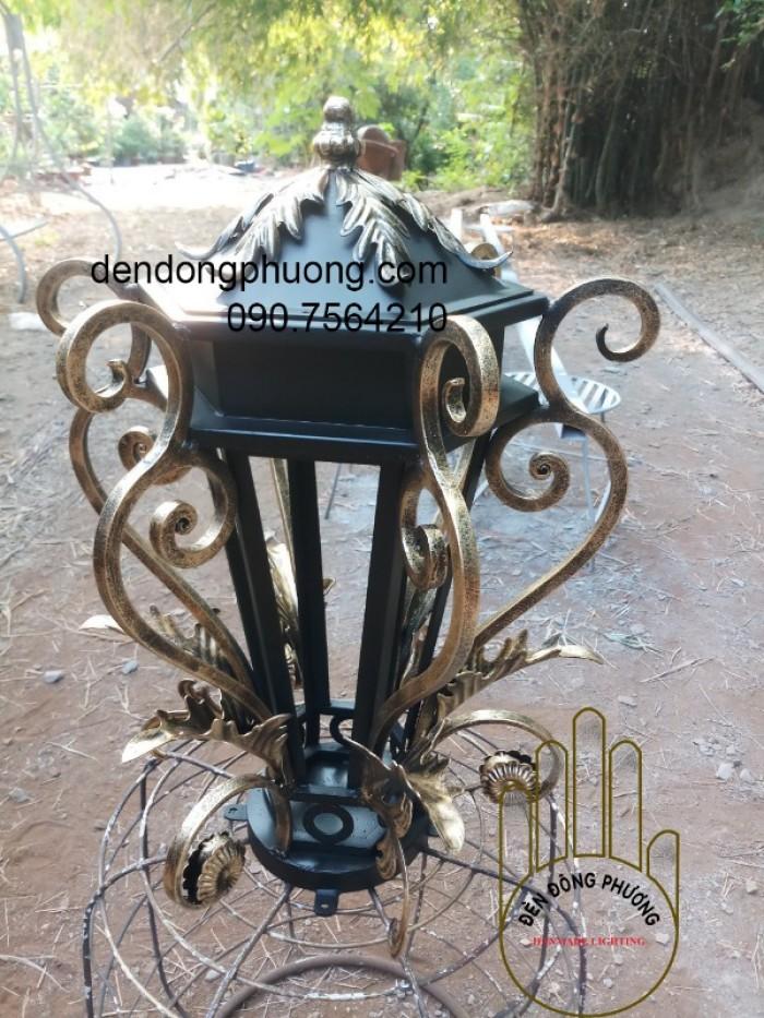đèn lắp trụ cổng biệt thự0