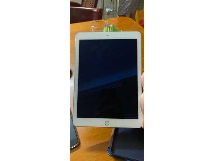 Ipad air 2 16G Wifi Gold1