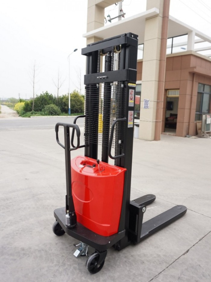 Xe nâng bán tự động chân hẹp 1,5 tấn Sagolifter0