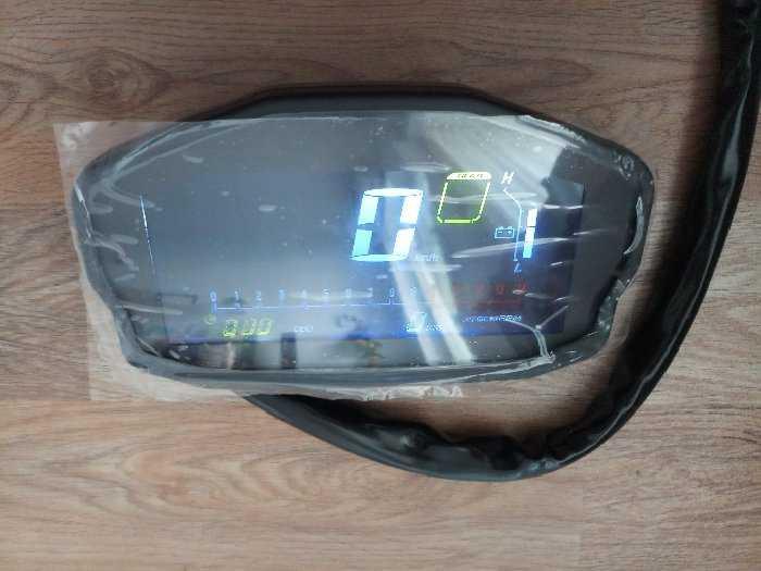 Đồng hồ điện tử xe Ducati1