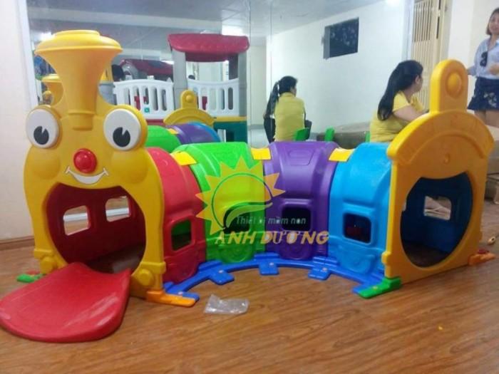 Cung cấp hang chui tàu hỏa đáng yêu cho trẻ em mầm non0