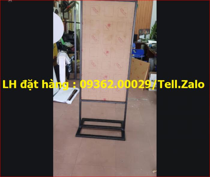 Standee khung sắt ngoài trời, sản xuất standee giá rẻ tại Hà Nội