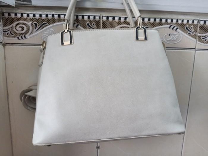 Túi xách nữ da xả kho giá thanh lý  200k5
