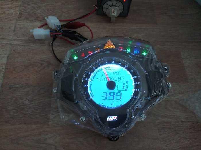 Đồng hồ điện tử Uma xe exciter0