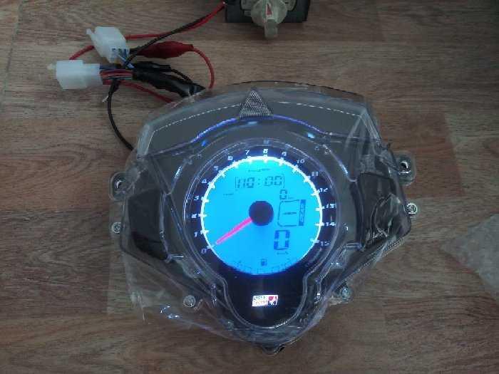 Đồng hồ điện tử Uma xe exciter1