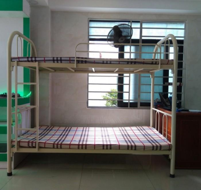 giường tầng sắt0