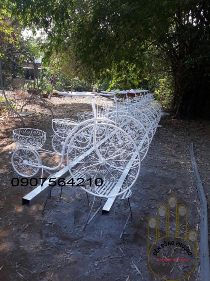 Xe đạp trang trí hoa0
