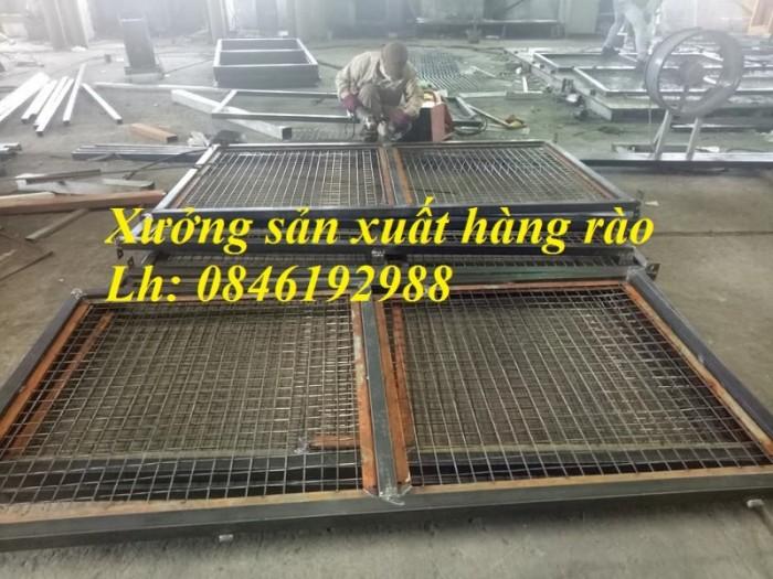 Xưởng sản xuất hàng rào mạ kẽm, hàng rào sơn tĩnh điện giá rẻ3