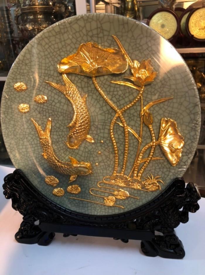 Đĩa cá chép mạ vàng 24k,nền gốm0