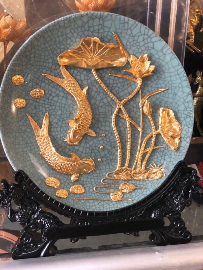 Đĩa cá chép mạ vàng 24k,nền gốm1