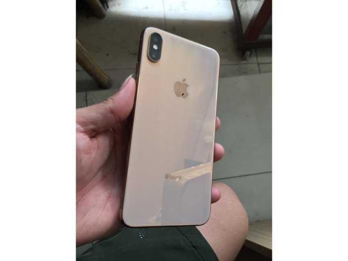 Bán iphone xsmax 256g quốc tế màu gold1