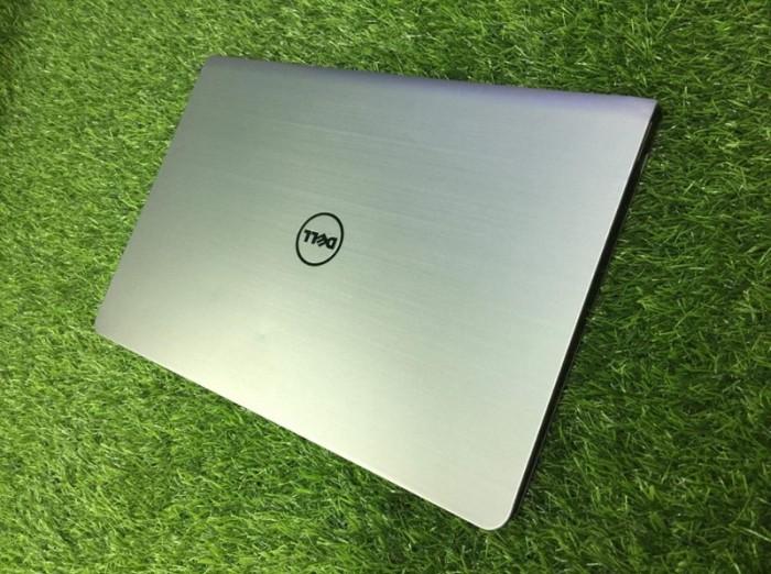Qúa rẻ laptop vỏ nhôm phím sáng fui phím số Dell 5547 core i3-4030U Ram 4gb H2