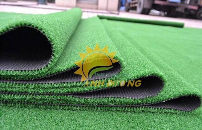 Thảm cỏ nhân tạo cao cấp cho trường mầm non, sân chơi trẻ em, sân bóng đá0