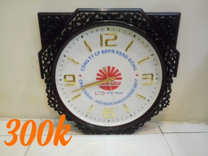 Đồng hồ treo tường Đài Loan .0