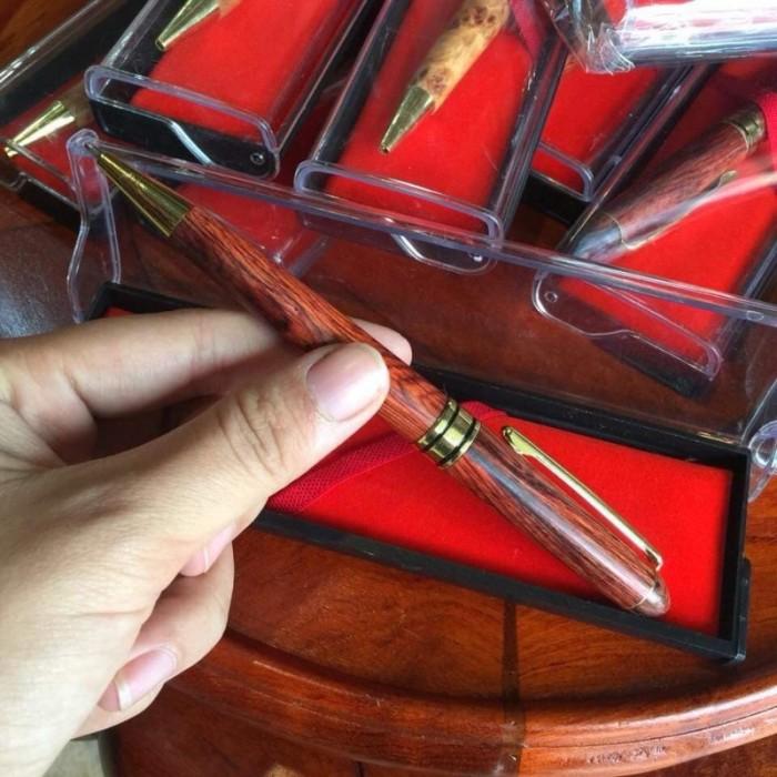 Bút bi gỗ sưa đỏ0