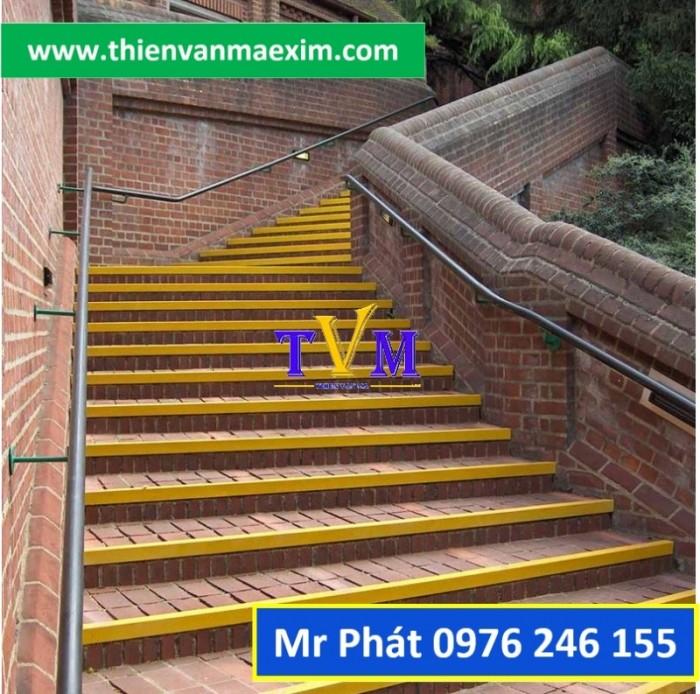 Miếng ốp bậc thang frp chống trơn trượt7