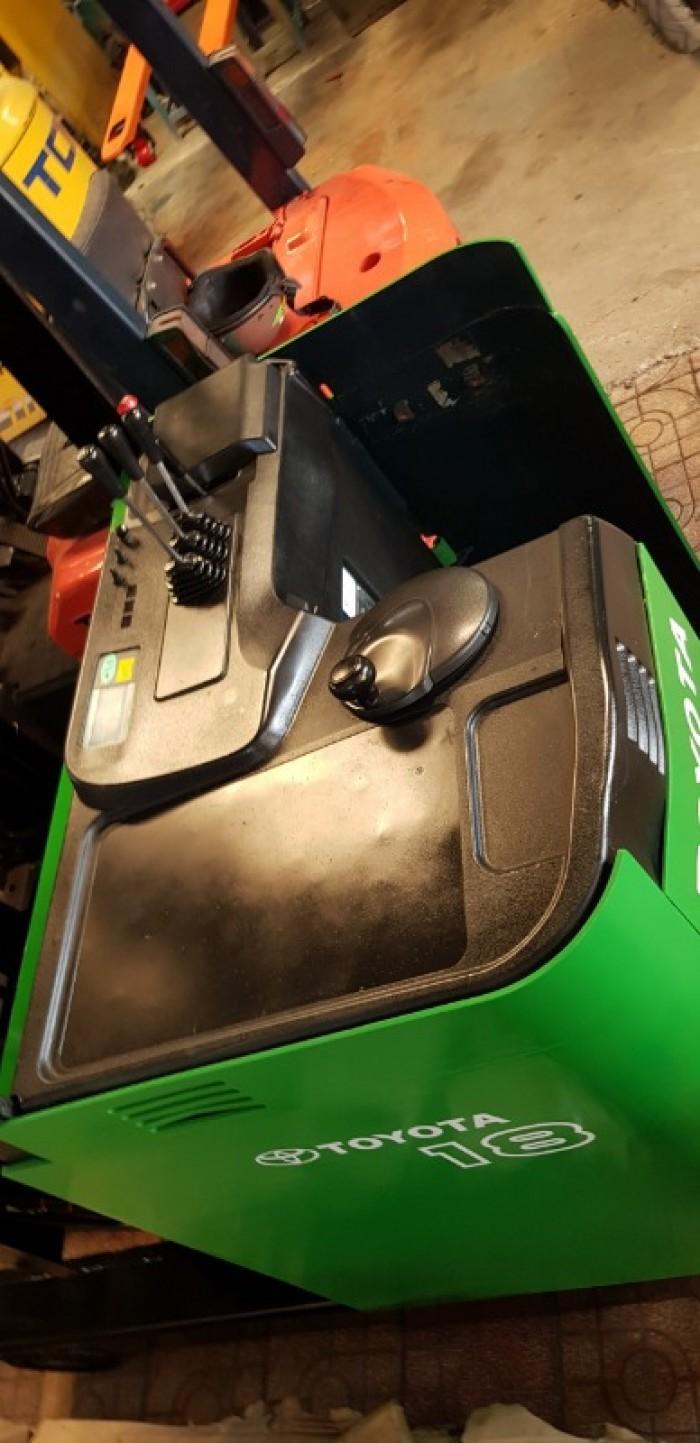 Xe nâng điện cũ đứng lái 1,8 tấn Toyota3