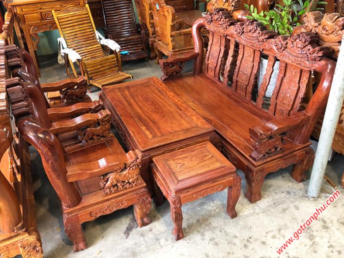 Salon gỗ cẩm lai tay 12 chạm nghê0