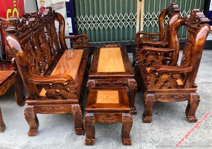 Salon gỗ tay 10 gỗ xoan đào, mặt gỗ gõ đỏ chạm nghê0