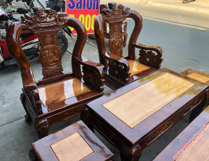 Salon gỗ tay 10 gỗ xoan đào, mặt gỗ gõ đỏ chạm nghê1