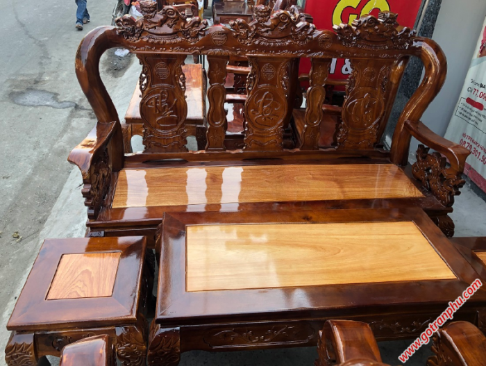Salon gỗ tay 10 gỗ xoan đào, mặt gỗ gõ đỏ chạm nghê2